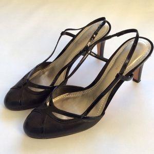 Ann Taylor closed toe heels, size 7,5